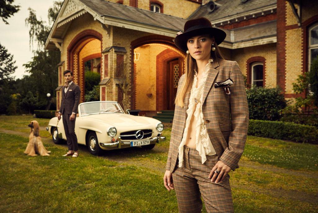 Mercedes Burmester Oldtimer Kampagne Schloss Portrait beide