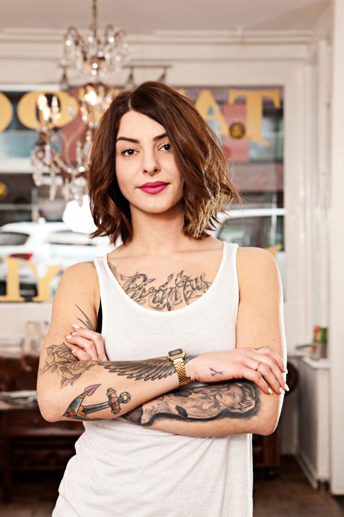 Friseurin Portrait Tattoo