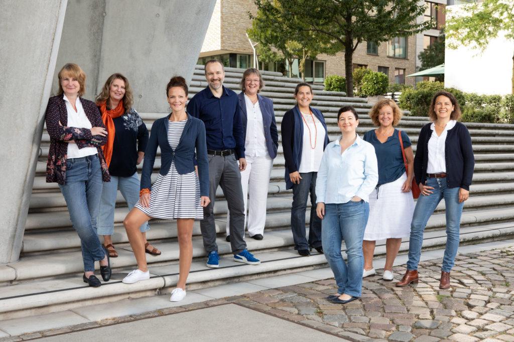 Gruppenfoto Mitarbeiter Mitarbeiterinnen Hamburg Hafencity