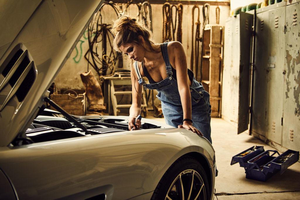 Mercedes Burmester Werkstatt Autofotografie Werbefotografie II