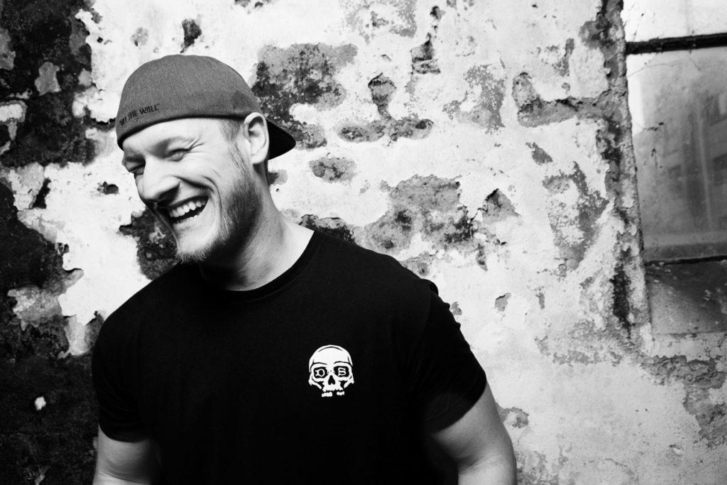 Musikerportrait Tobias Mertens II Gitarrist Schlagzeuger