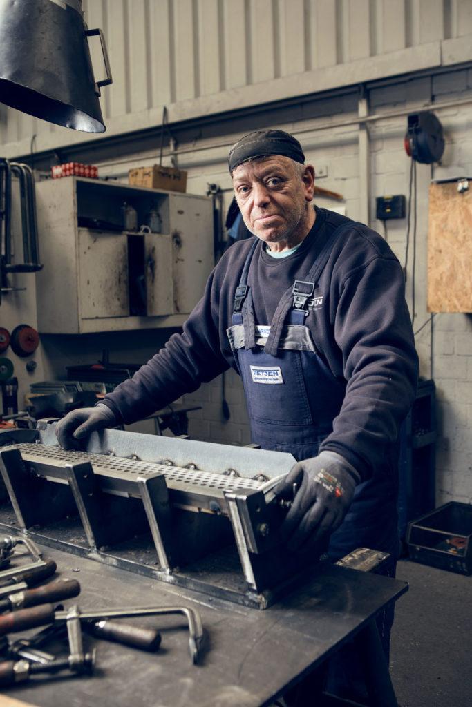 Portrait Arbeiter Metallbau IV