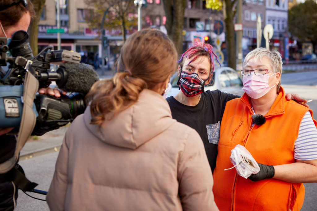 Medienkapitän Wir sind Elmshorn Helft Martina Helfen Martina Kramer Elmshorner Suppenhühner